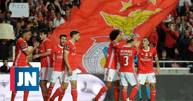 Pizzi volta a marcar e Benfica faz o 3-0 frente ao Famalicão. Veja o golo