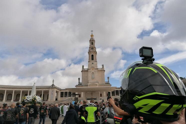 Milhares de motociclistas pedem proteção em Fátima