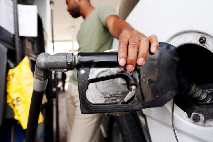 Espere por segunda para atestar: gasolina desce 7 cêntimos e gasóleo 4 cêntimos
