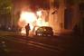 Carros incendiados em Lisboa danificaram fachada de um prédio