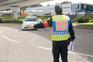 Polícia fiscaliza estradas para assegurar que o isolamento está a ser cumprido