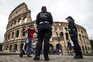 Na região de Lazio, onde fica a capital do país, Roma, é desde hoje obrigatório o uso de máscara também