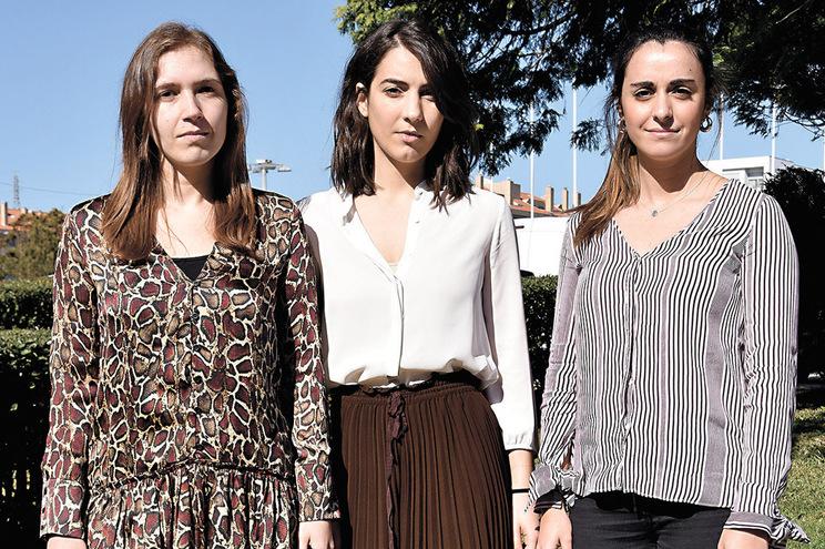 Daniela Salazar (à esq.) é médica no IPO do Porto, Cláudia Costa (ao centro) e Maria João Ferreira, no