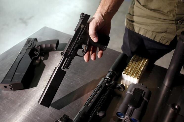 OLXcolabora com autoridades no combate à venda de armas