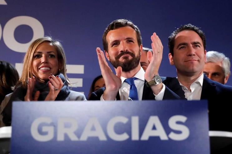 """Líder do PP diz que """"a bola está do lado"""" de Pedro Sánchez"""