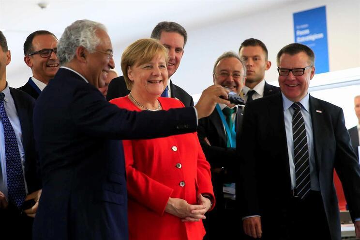 """Merkel defende """"coragem"""" da Europa para apostar na inovação"""