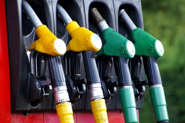 Combustíveis sobem de preço