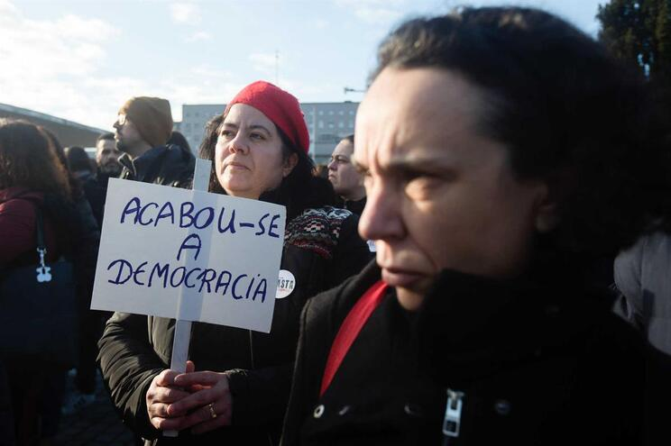 """Sindicato responde à PGR: """"Só os tribunais podem proibir o direito à greve"""""""