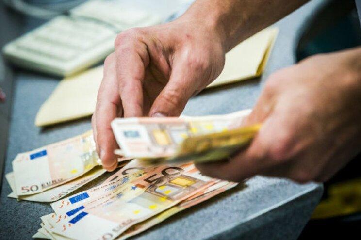 Empresas lutam contra burocracia e bancos oferecem créditos comuns
