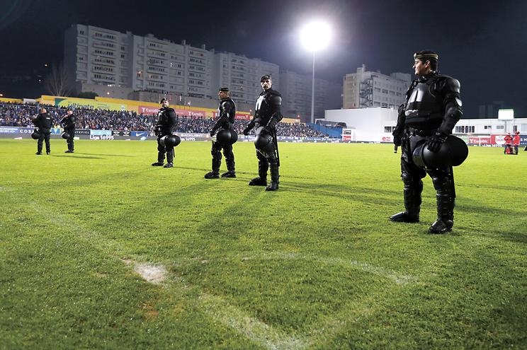 Pedido de policiamento nos jogos da AF Porto volta à fórmula inicial