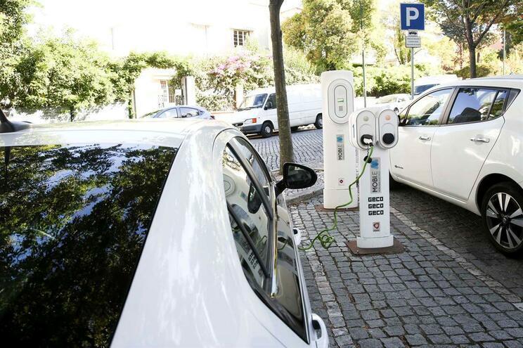 Consumo de energia aumentaria 14% com carros todos elétricos