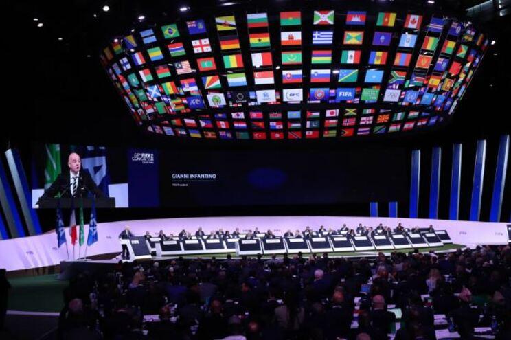 FIFA adiou Conselho e Congresso