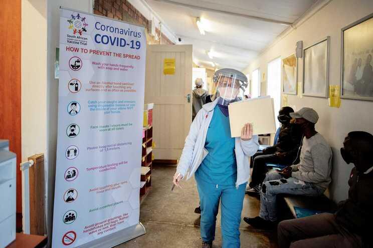 O nível de testagem à covid-19 em África continua abaixo da média global