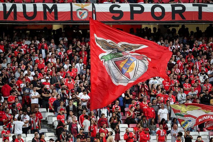 Ações da Benfica SAD fecham a subir 70% para 4,70 euros após anúncio de OPA