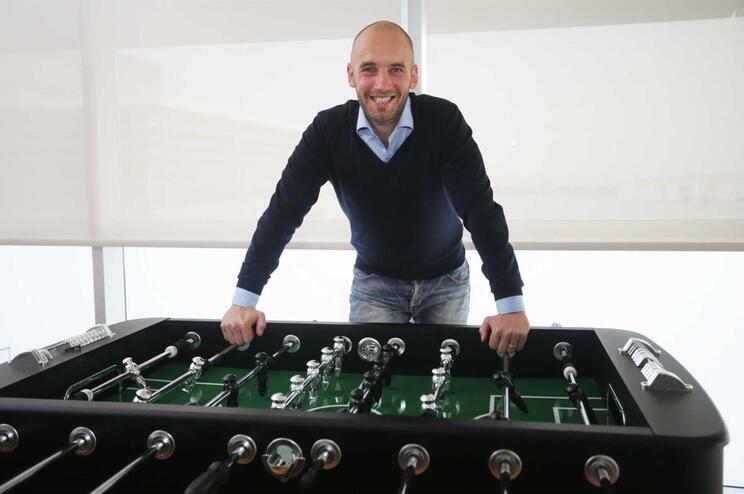 Van Der Gaag ingressa no Ajax