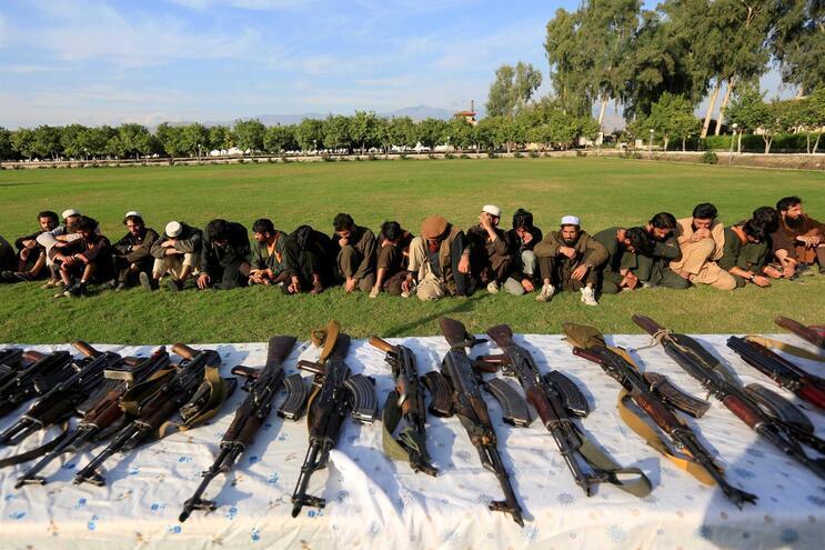 Afeganistão declara derrota do grupo extremista Estado Islâmico