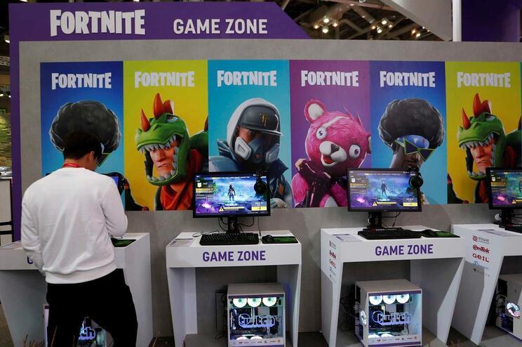Suspeito aliciava os menores através da intereção do popular jogo online Fortnite
