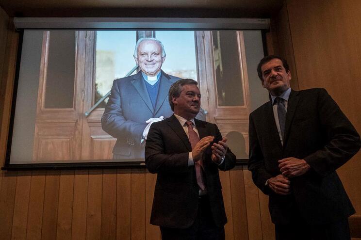 Gaia analisaprotocolo com o Porto para construção de ponte na segunda-feira