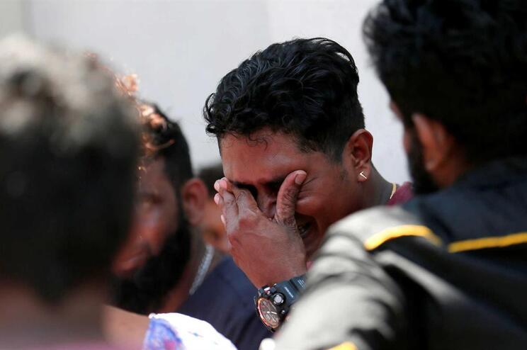 Várias explosões atingiram hotéis e igrejas no Sri Lanka