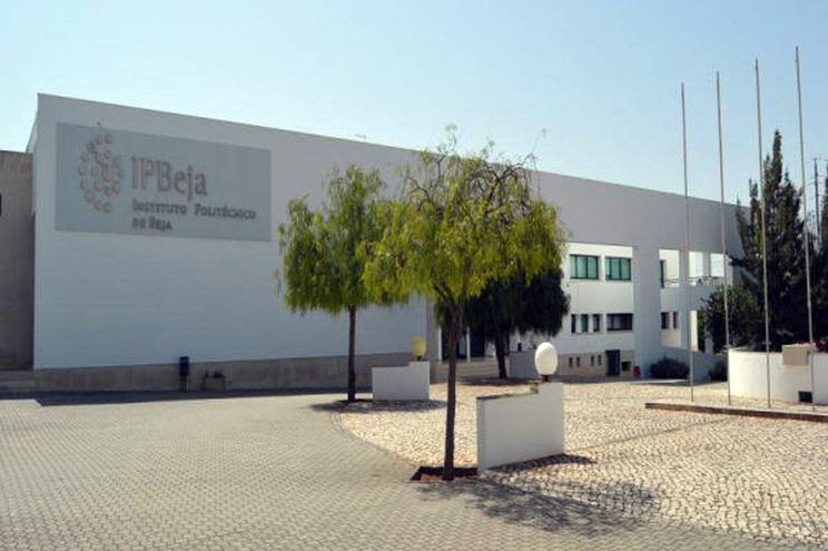 Detetados três casos positivos de covid-19 no Instituto Politécnico de Beja