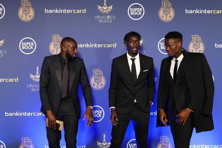 Marega, Mbaye e Loum