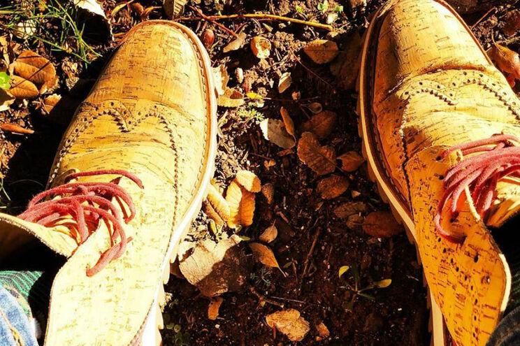 A Rutz - Walk in Cork é uma das marcas que aposta neste tipo de calçado, com produção à base da cortiça