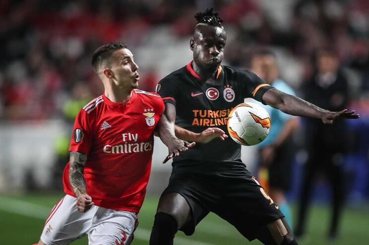Benfica e Galatasaray empatados ao intervalo