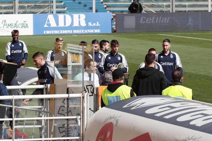 Cinco jogos da liga italiana foram adiados no último fim de semana e deviam realizar-se hoje à porta