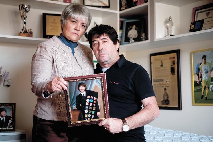 Os pais de Marlon esperam há sete anos que os autores do assalto sejam identificados pelas autoridades