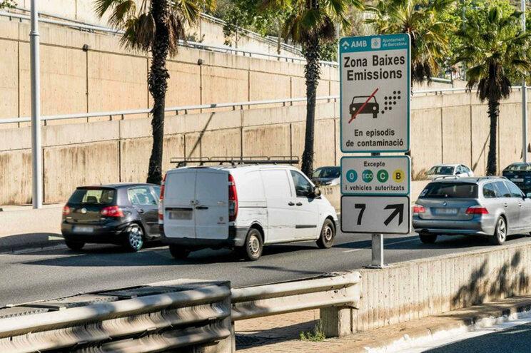 Zona de Baixas Emissões entrou em vigor no primeiro dia do ano sem reforço de transportes públicos