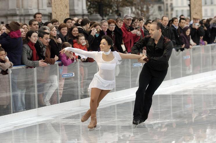 Sarah Abitbol e Stephane Bernadis numa performance em 2006