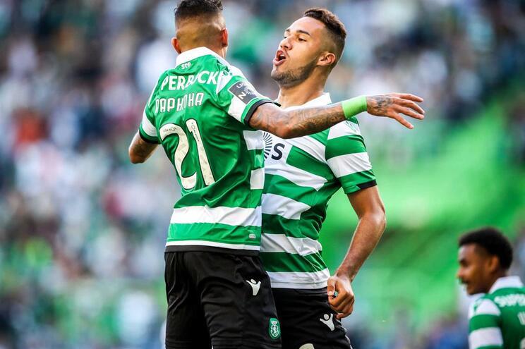 Raphinha e Luiz Phellype marcaram ao V. Guimarães