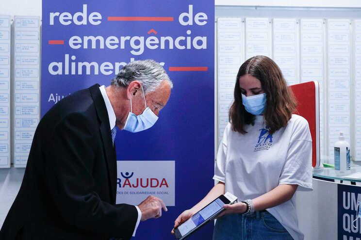 Marcelo Rebelo de Sousa em visita às instalações do Banco Alimentar Contra da Fome, em Lisboa