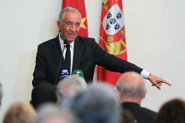 Marcelo promulga diploma que repõe recuperação de tempo dos professores