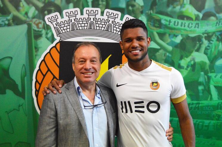 Matheus Reis é reforço do Rio Ave para as próximas três temporadas