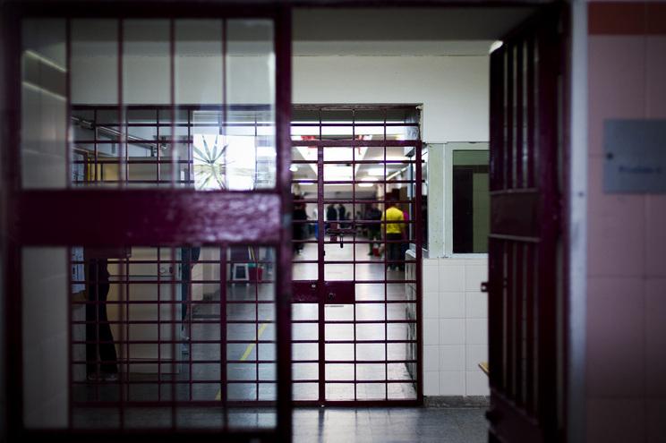 Guardas prisionais marcam três dias de greve a partir de sexta-feira