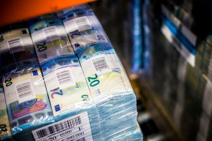 Governo Regional da Madeira fixa salário mínimo em 650,88 euros