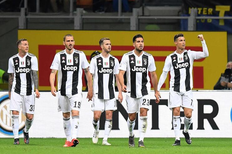 """PES """"rouba"""" Juventus ao FIFA"""