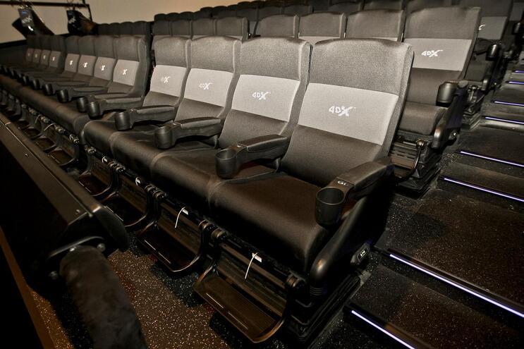 Cinemas fecham sem data para reabrir