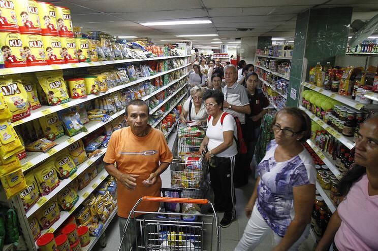 """Chegar diariamente ao supermercado """"não é fácil"""" porque a circulação está condicionada"""