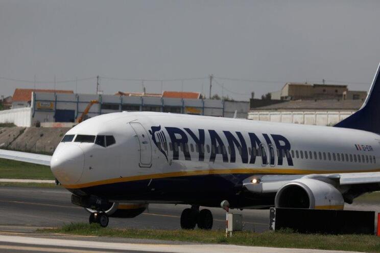 Inspeção do Trabalho espera resposta da Ryanair há dois meses