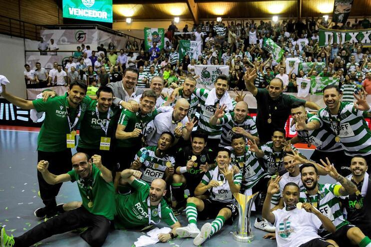 Sporting fez a festa na Supertaça
