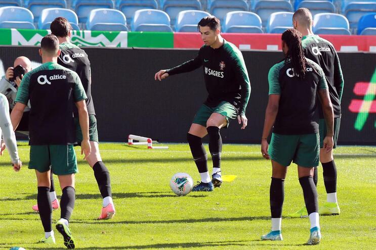 Cristiano Ronaldo voltou a treinar sem limitações, agora no Estádio do Algarve