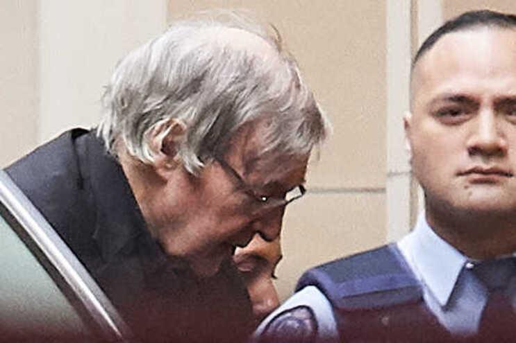 Tribunal mantém pena de prisão para cardeal pedófilo George Pell