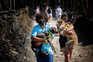 """Dezenas de pessoas """"invadem"""" e resgatam cães de canil ilegal em Santo Tirso"""