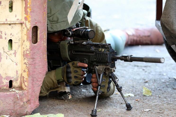 Militar israelita em Hebron