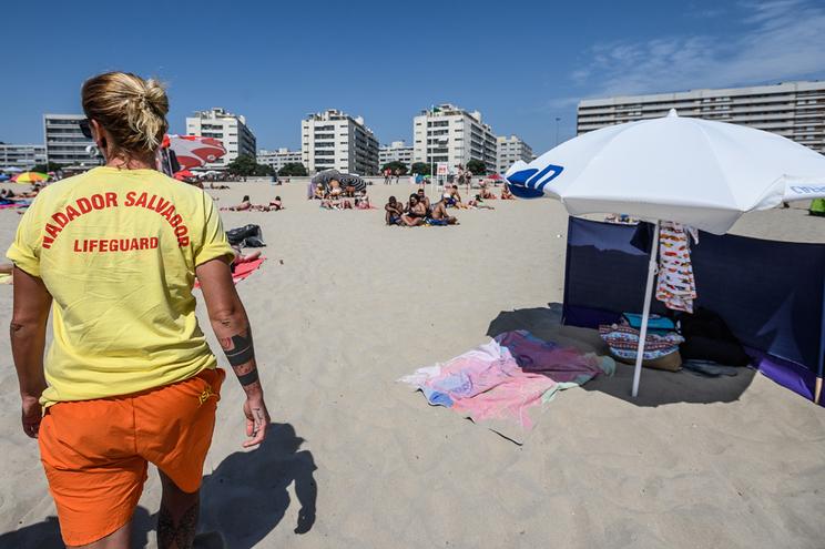 Entre 1 de junho e 30 de setembro houve 7610 nadadores-salvadores nas praias