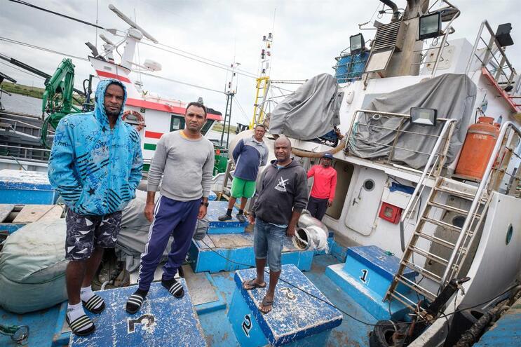 Grupo de pescadores cabo-verdianos está confinado numa embarcação desde há dois meses