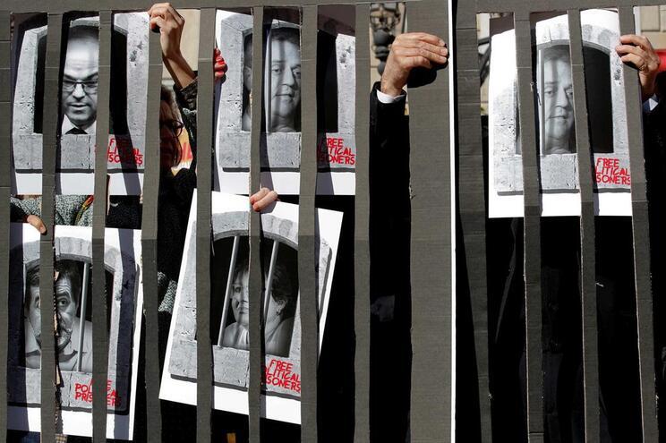"""Governo espanhol recusa ceder a """"chantagem"""" dos independentistas"""