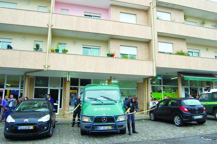 Filho de polícia faz assalto armado após exame na Faculdade